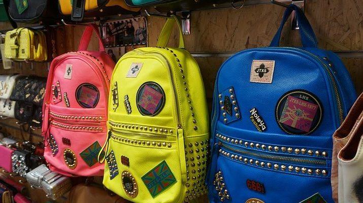 batohy místo kabelek