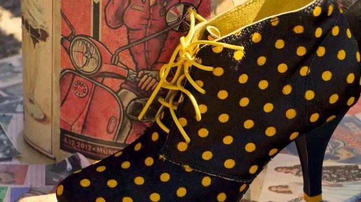 Kto všetko nosí ikonickej topánky Manola Blahnika?