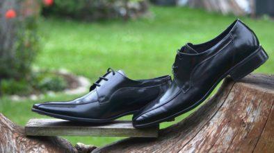 lesklé boty