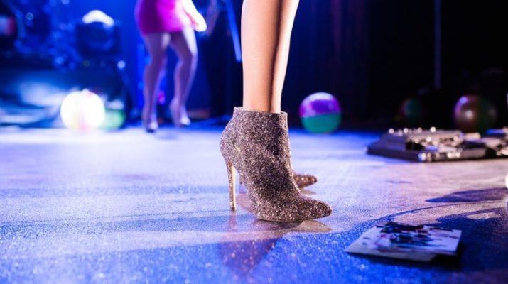 šaty, boty doplňky