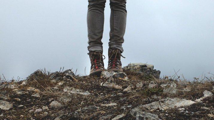 Opustí úzke džínsy módny svet?