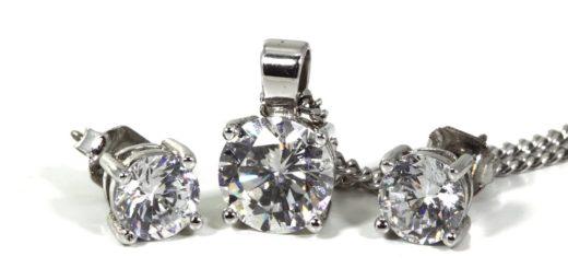 V akých filmových snímkach dominovali šperky Tiffany?